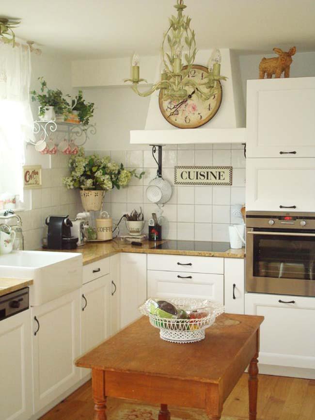 Цветы в маленькой кухне фото