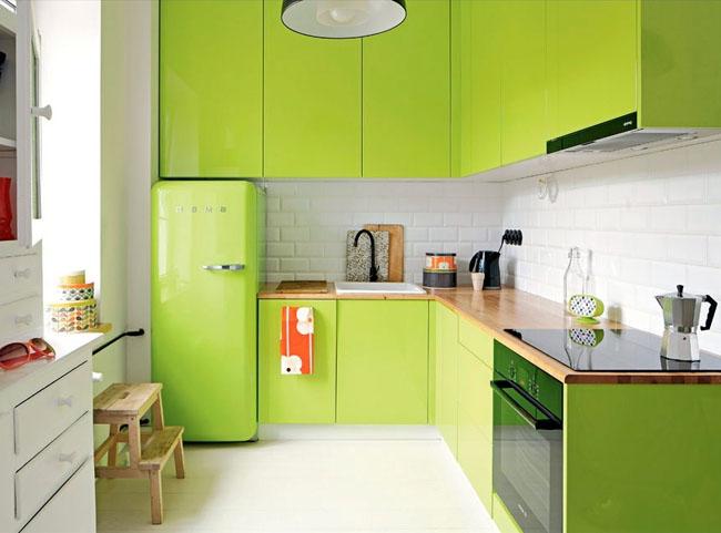 Угловые кухни в зелёном цвете